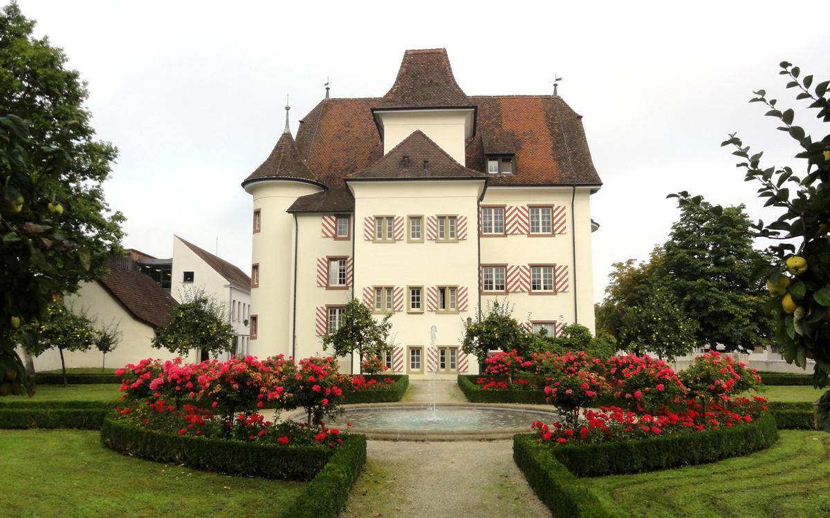 Schloss Aesch mit Schlosspark
